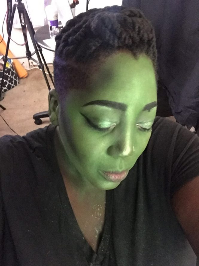 Wicked Makeup, Wicked Witch Makeup, Tutorial, Jana'e Michelle, This Curvy Girls Life, Halloween, Wicked Witch, Makeup, Elphaba Thropp, Halloween Makeup, Halloween Costume Ideas, Halloween Costume, Makeup for Halloween, Witch Makeup,