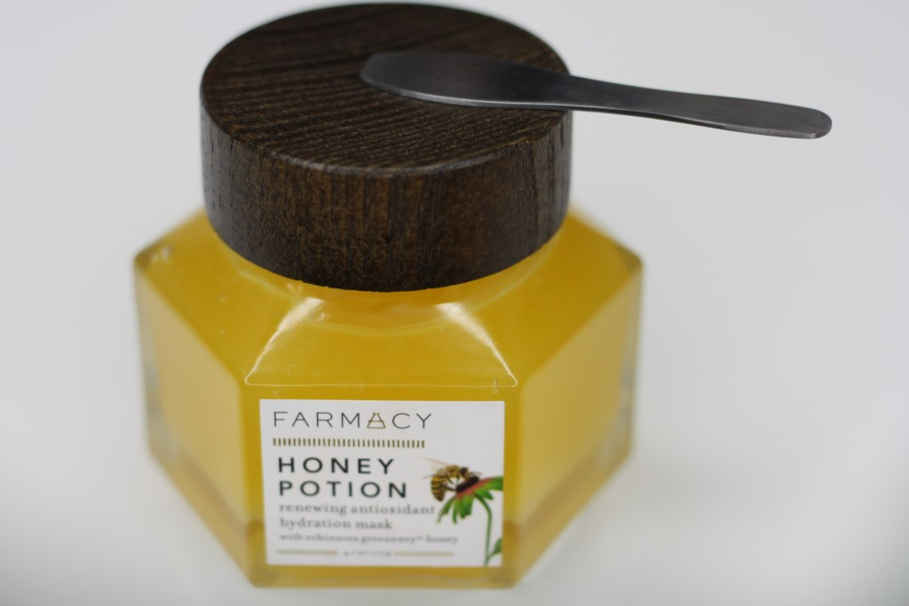 Combat Dry Skin, Farmacy, Honey Potion Masks, FARMACY Honey Potion Renewing Antioxidant hydration mask, Skin Care, Facial Mask, Hydration Mask, Dry Skin, Beauty Blog, This Curvy Girls Life, Jana'e Michelle,