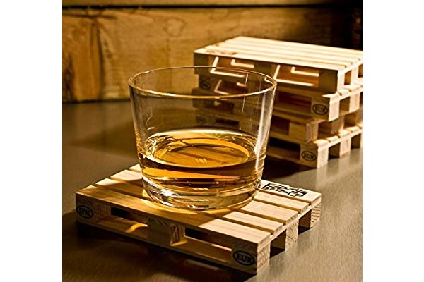 small gifts ideas for men pallet coaster