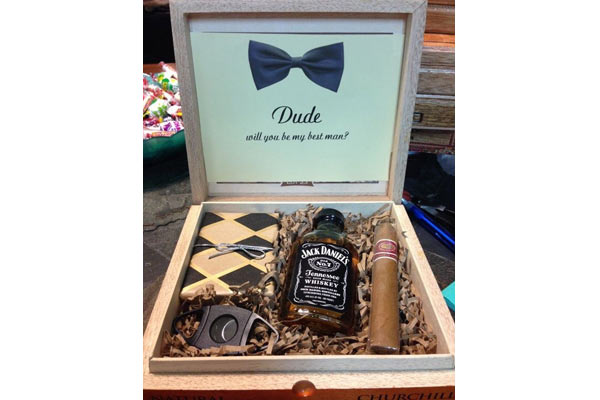 gift ideas for groomsmen 13 handpicked groomsmen gifts that he won t throw away 30511