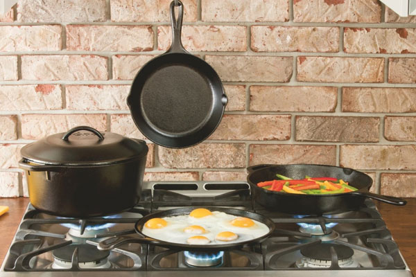 gifts for men under 100 dollars cast iron skillet