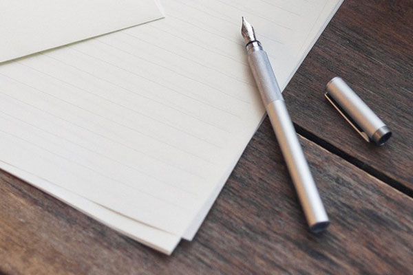 small gift ideas for coworkers muji fountain pen