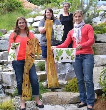 Andrea, Taylor, Gail and Emilie at Dyeing Cotton Naturally