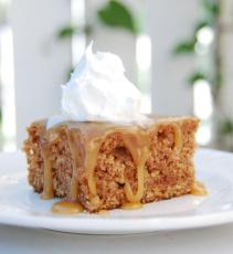 Fresh Apple Cake with Caramel Topping