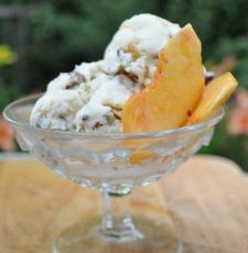 Peaches & Toasted Pecan Ice Cream