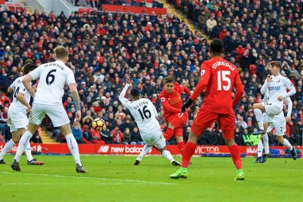 LIVERPOOL, ENGLAND - Saturday, January 21, 2017: Liverpool's Roberto Firmino scores the second equalising goal against Swansea City to make the score 2-2 during the FA Premier League match at Anfield. (Pic by David Rawcliffe/Propaganda)