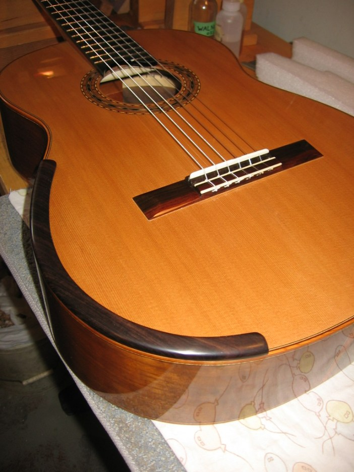 armrests for classical guitar this is classical guitar. Black Bedroom Furniture Sets. Home Design Ideas