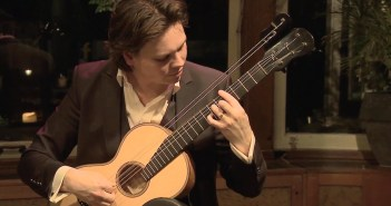 Rolf van Meurs Plays Cavatini Op.7 by Legnani (Rossini)