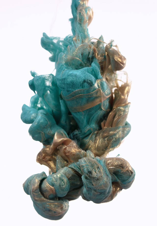 Glittering Metallic Ink Clouds Photographed by Albert Seveso water ink
