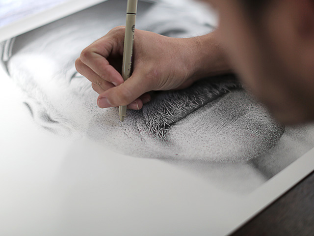 A Portrait Drawn by Hand with 2.1 Million Ink Dots to Aid Amnesiac Benjaman Kyle stippling portraits pointillism illustration drawing