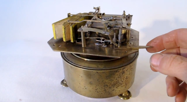A 120 Year Old Mechanical Device that Perfectly Mimics the Song of a Bird device birds automata