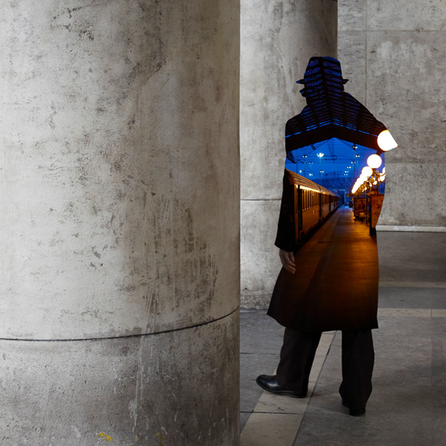 Silhouettes that Open Visual Portals by Nacho Ormaechea street photography silhouettes