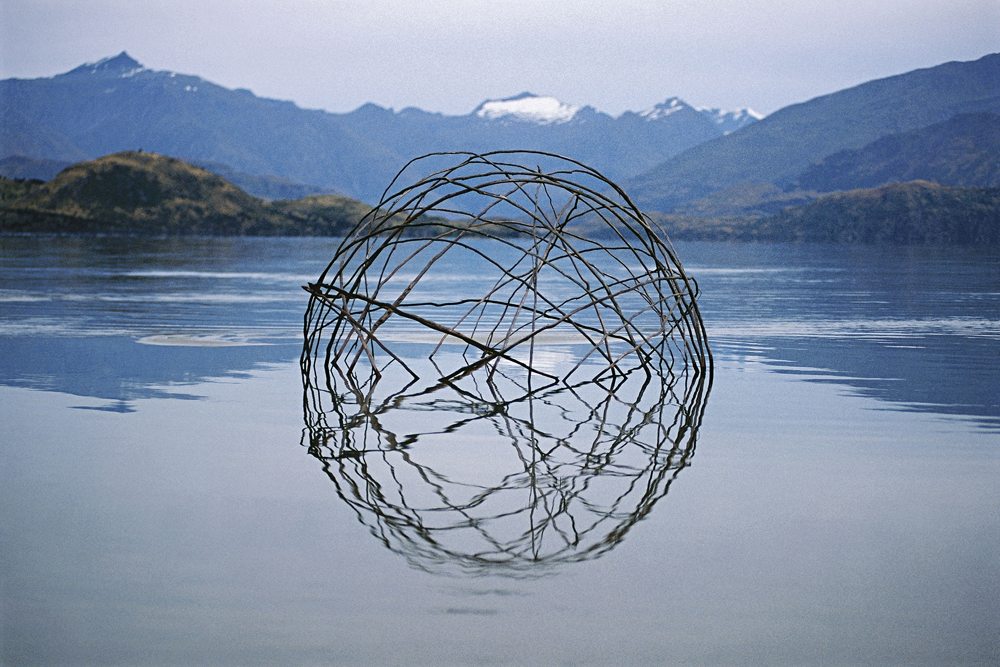 Ephemeral Environmental Sculptures Evoke Cycles of Nature nature land art