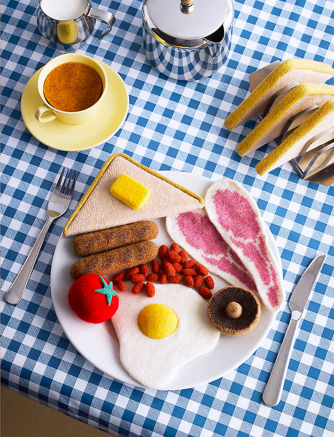 Low in Calories, High in Wool: Knitted Comfort Food by Jessica Dance and David Sykes knitting food