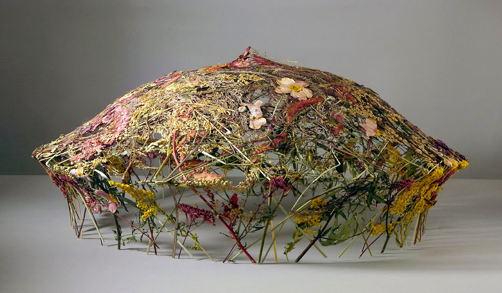 Delicate Vessels Sculpted with Pressed Flowers by Ignacio