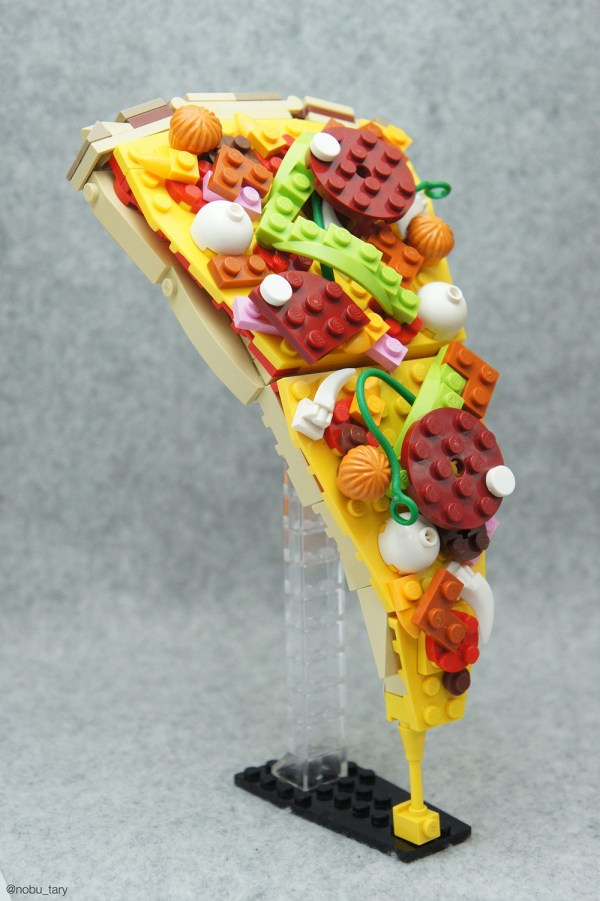 Sculpture LEGO Food Pizza