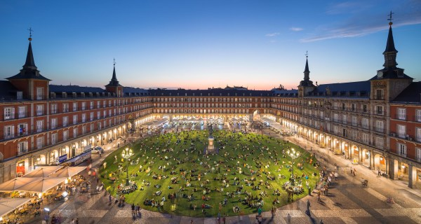 Madrid Plaza Transformed Temporary Park With Over
