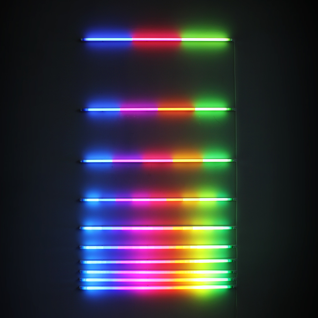 Increasing Resolution (2012), fluorescent lights, filters, 120 x 190 cm