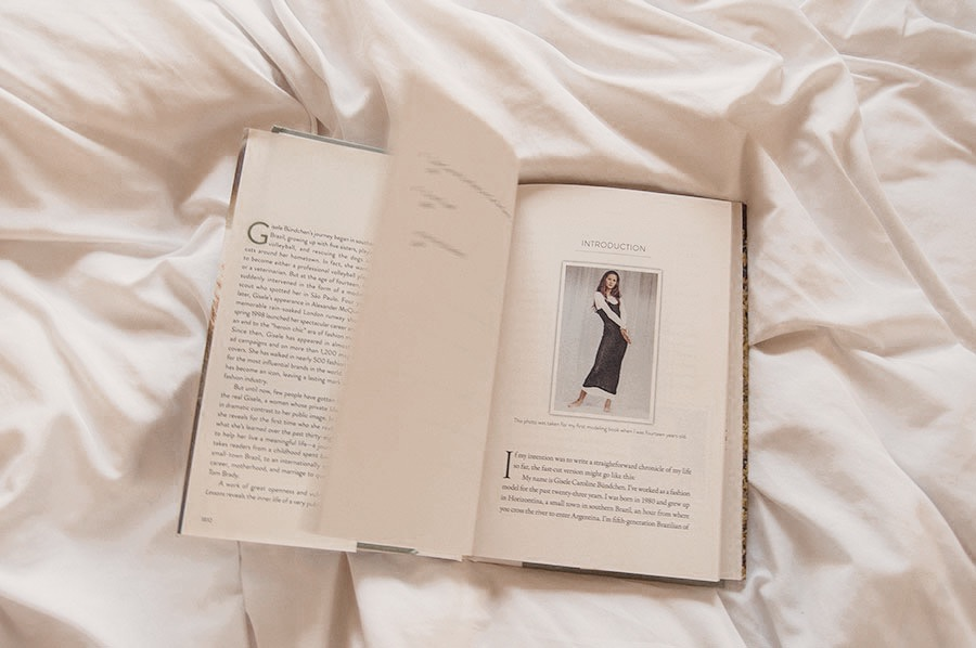 Book Review | Lessons: My Path to a Meaningful Life by Gisele Bündchen