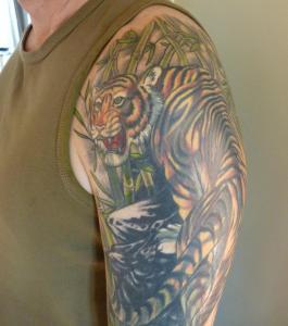 Tiger sleeve