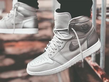 air-jordan-1-neutral-grey-metallic-silver-white-japan-555088-029-8