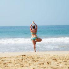 Yoga sulla spiaggia di Mirissa