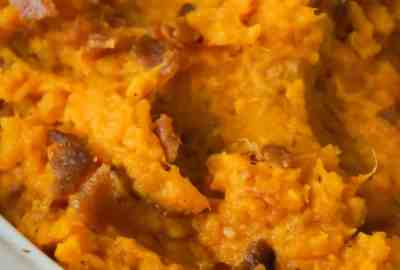 Maple Bacon Mashed Sweet Potatoes are an easy side dish recipe perfect for Thanksgiving. These mashed sweet potatoes are made with maple syrup and real bacon bits.