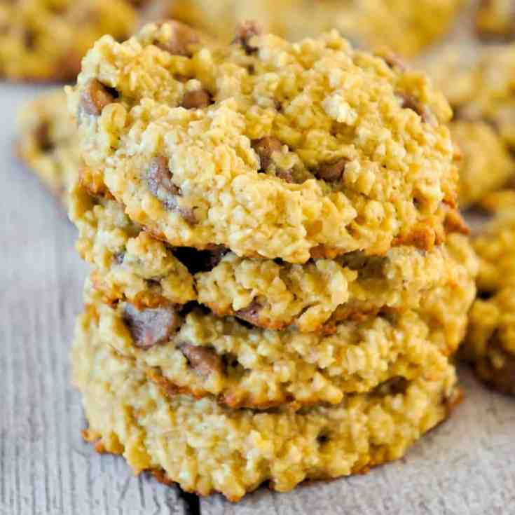 Banana Oatmeal Cookies are an easy flourless cookie recipe. These chewy oatmeal cookies are loaded with milk chocolate chips.