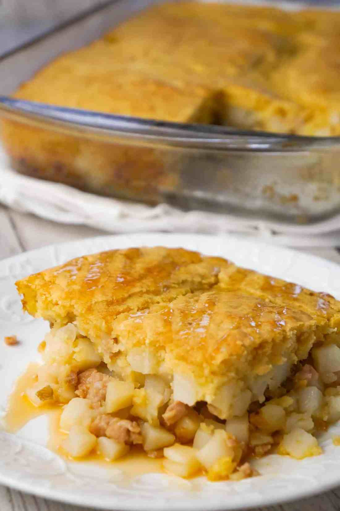 Sausage and Pancake Breakfast Casserole is an easy breakfast or brunch recipe loaded with ground sausage meat, hash brown potatoes and maple flavoured pancake batter.