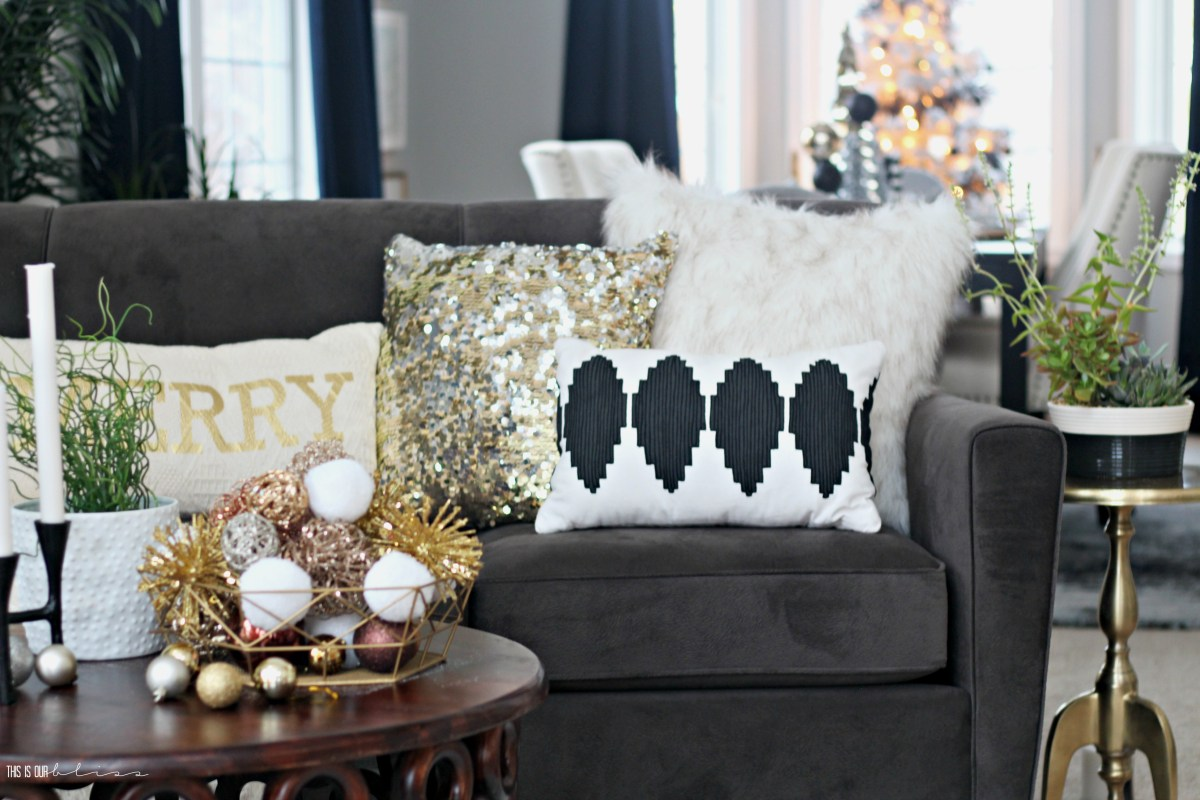A Merry & Metallic Christmas Home | The Living Room | 12 Days of Holiday Homes Tour 2016