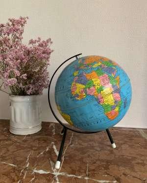 Globe terrestre Taride vintage.