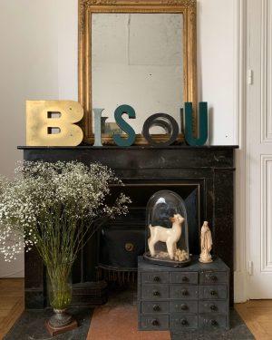 mot bisou vintage en lettres en zic anciennes