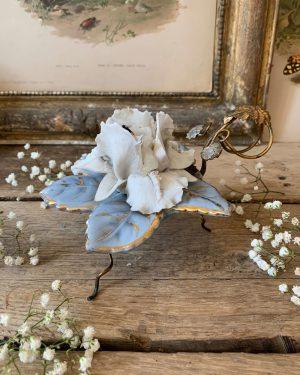 ancien bougeoir fleur ceramique et biscuit 19eme