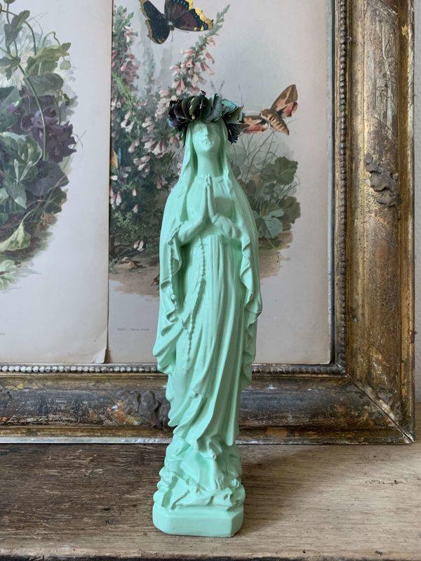 ancienne vierge en platre couronne de fleurs