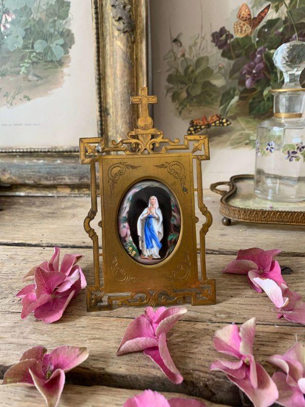ancien cadre reliquaire 19ele siècle notre dame de lourdes porcelaine bombée