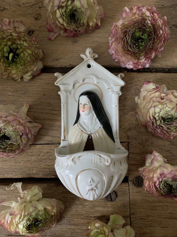 ancien benitier porcelaine sainte therese