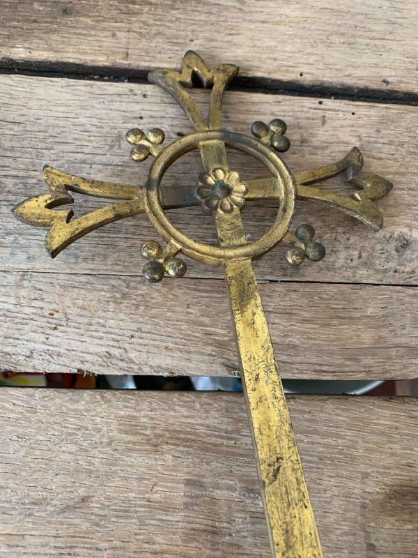 ancienne croix de procession