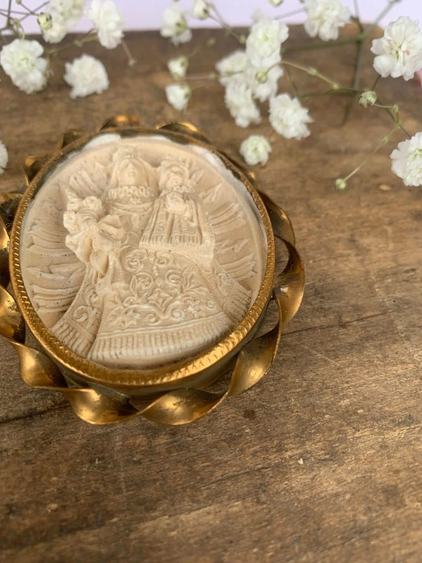 ancien reliquaire calcaire petrifié vierge à l'enfant jesus