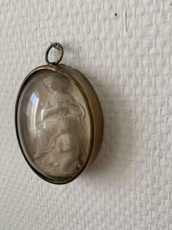 reliquaire ancien ange gardien enfant xixeme platre pétrifié