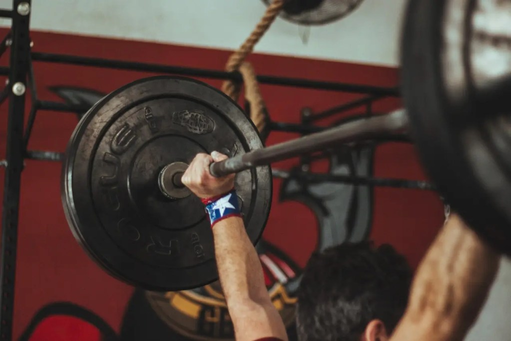 Is CrossFit Better Than Traditional Weightlifting?