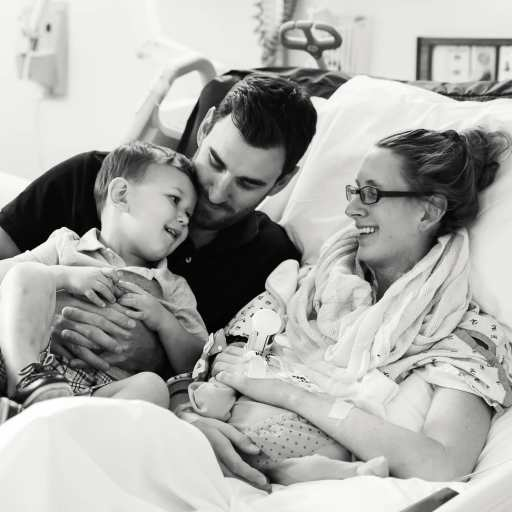 Heart Stories - Jessica Grib's PPCM Story - Jessica and family in hospital