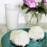 These Keto Snoball Cakes will take you right back to your childhood, minus the sugar and carbs! You won't believe how much these cakes taste like the real thing!  #ketorecipes #snoballcakes #coconutrecipes