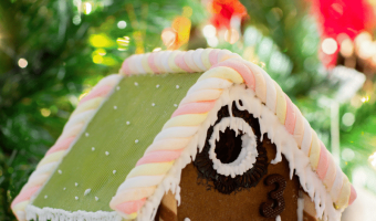 21 Tips To Get Your Home Ready for Holiday Guests