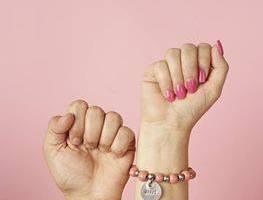 Enter to win a Trades of Hope Bracelet Set! #TradesOfHope #1SaveTaTas
