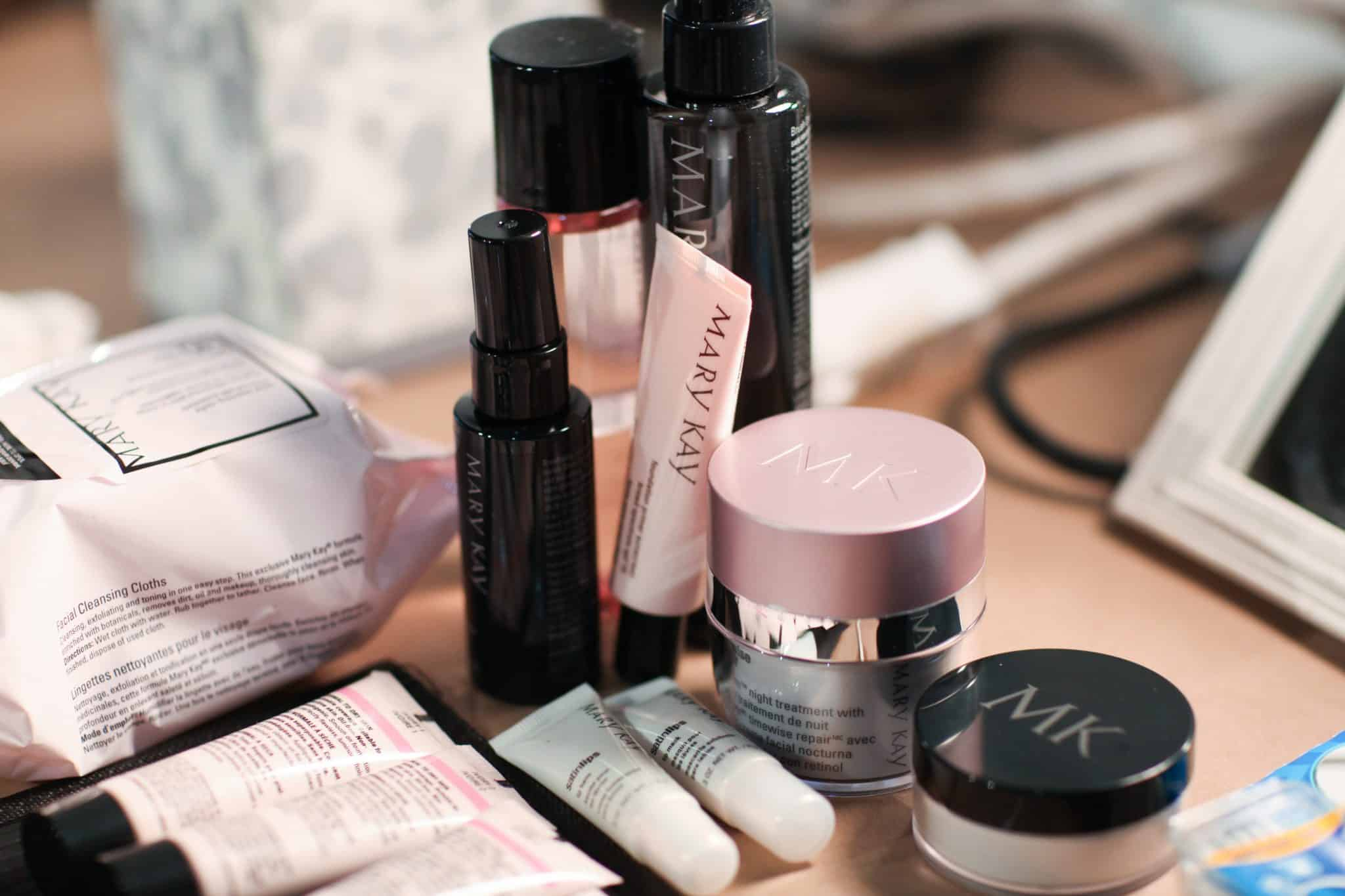 Win a Mary Kay Prize Pack! #GhostsGoblins #THBhop