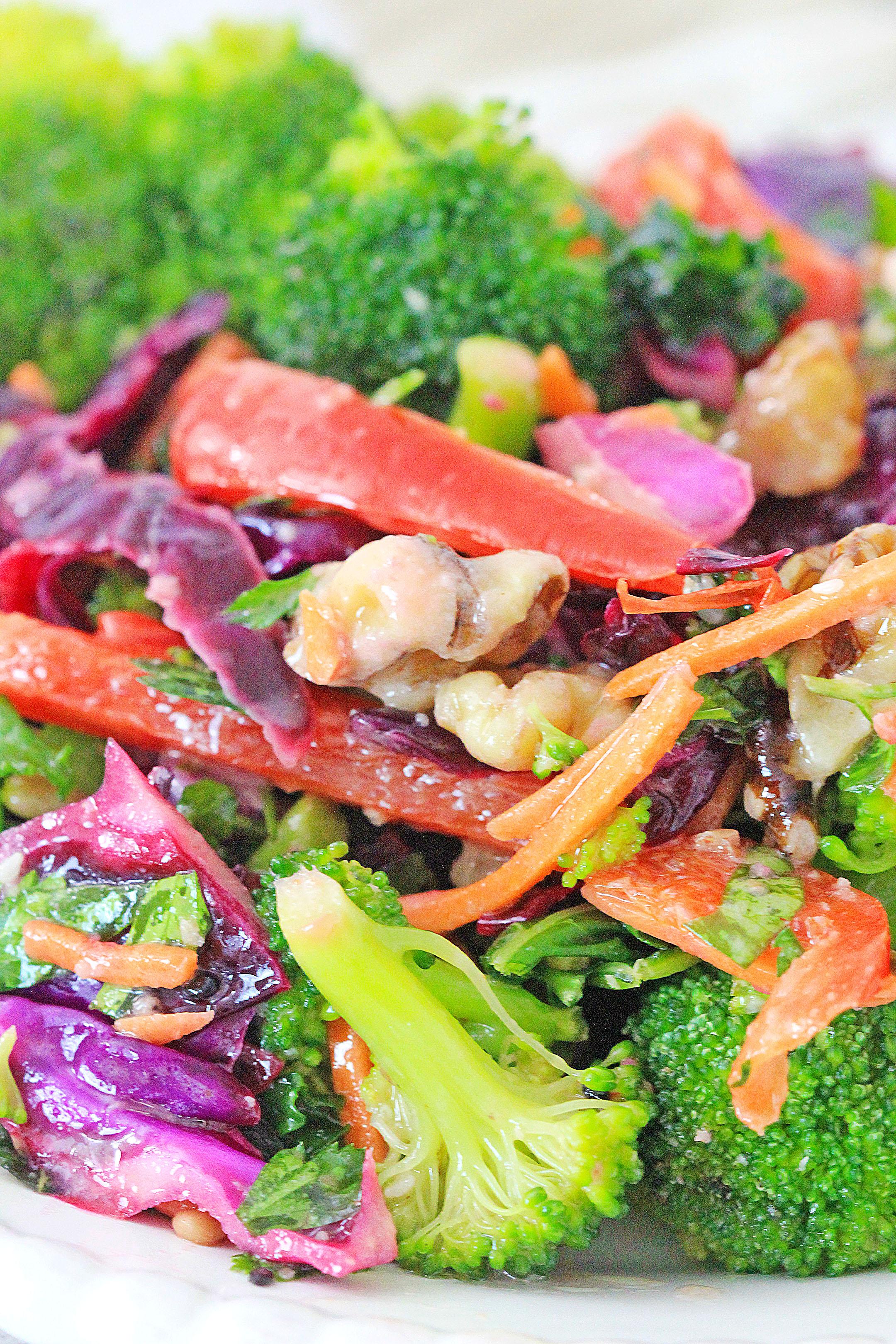 Healthy & Delicious Detox Salad Recipe!