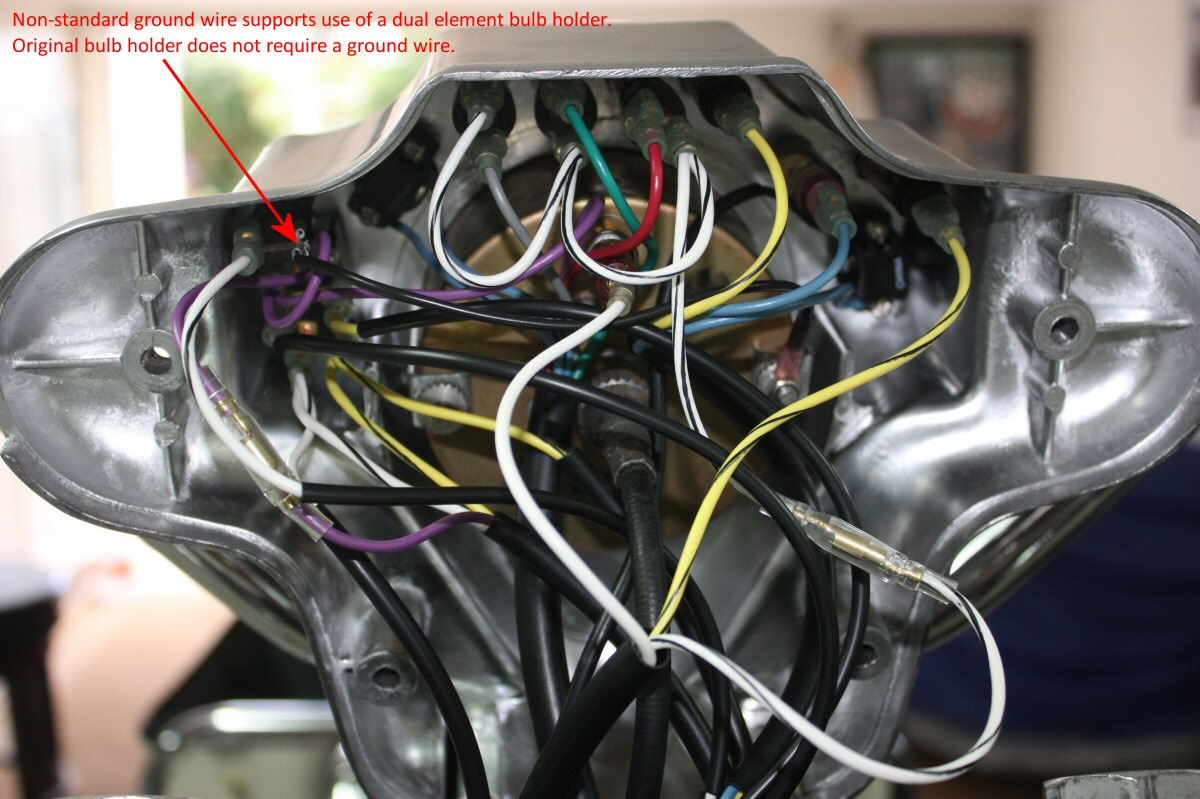 hight resolution of an excellent view of the connections inside a standard police dash