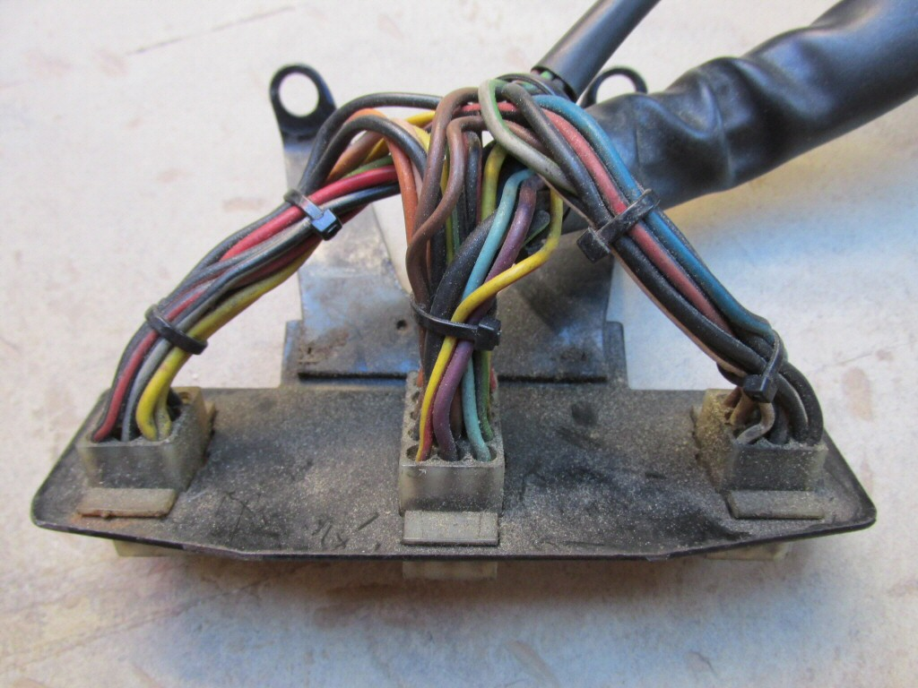 hight resolution of wiring harness plate for molex connectors mg 28749760 for the le mans 1000