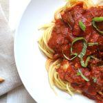 This Spicy Marinara Sauce is full of fresh veggies and has tons of flavor | VEGAN + GF | ThisSavoryVegan.com