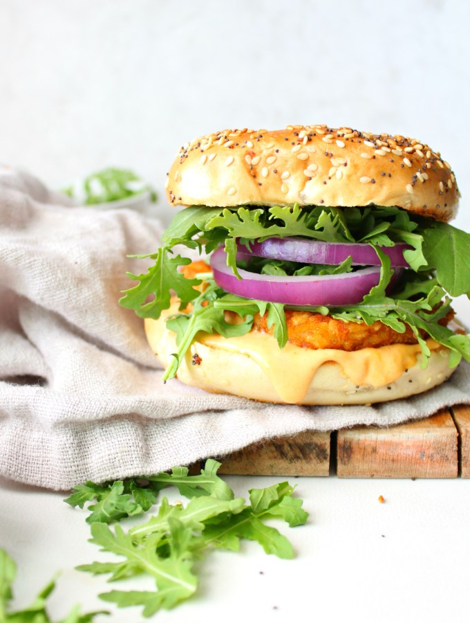 Switch up your typical breakfast with this Hash Brown Breakfast Bagel with Vegan Sriracha Mayo. A crunchy, spicy twist on a breakfast sandwich | ThisSavoryVegan.com #vegan #veganbreakfast